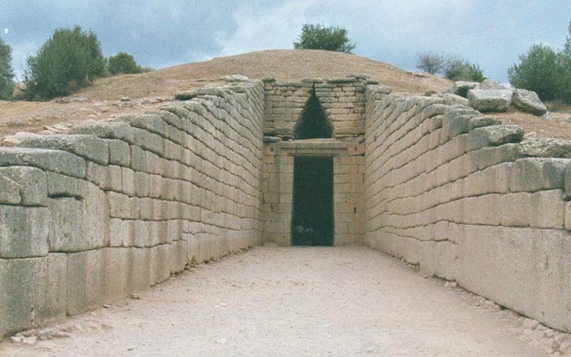 Археологи обнаружили в Египте гробницу, возраст которой 5600 лет