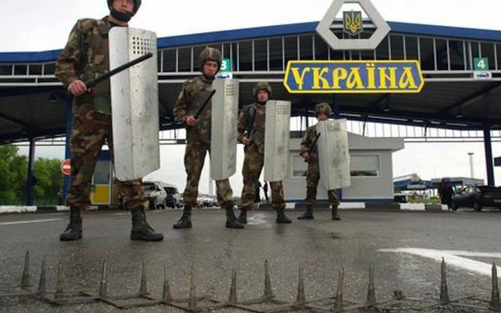 Украина собралась закрыть границу с Россией