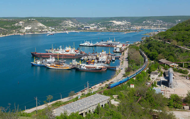 Корабли на Севастопольской бухте