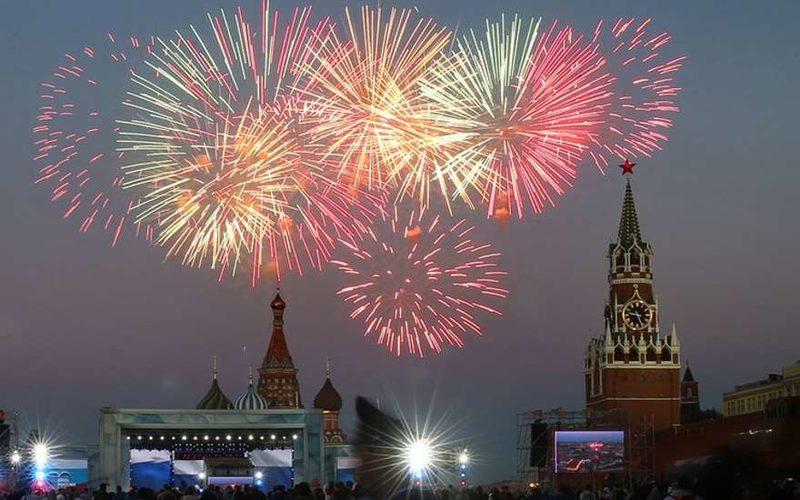 Салют в Москве на день города 2018