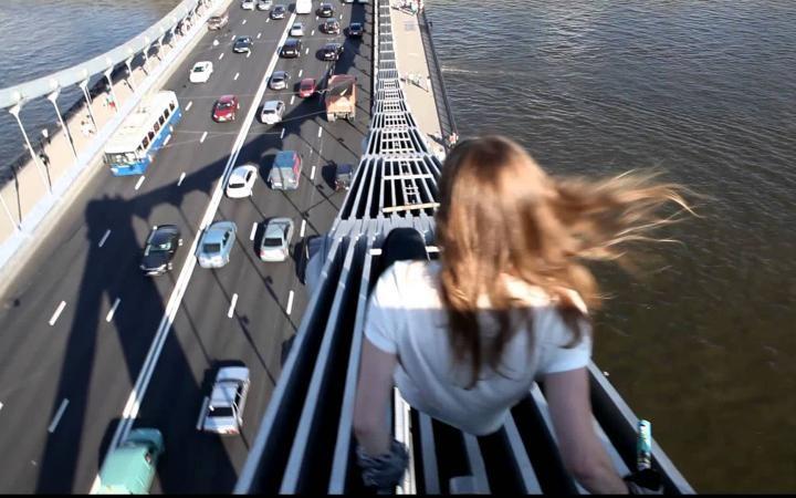 Николаевские милиционеры спасли девушку от самоубийства