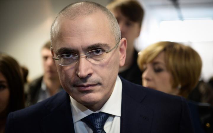 Ходорковский обсудит с женой возможный переезд в Швейцарию