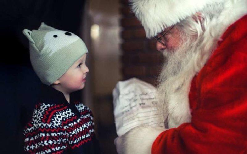 Мальчик с Дед Морозом