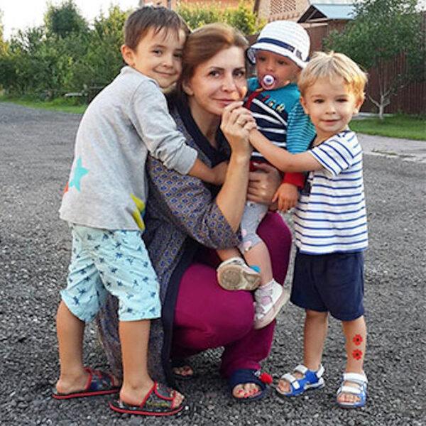 рита агибалова фото с детьми