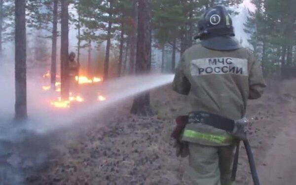 лесные пожары бушуют в Бурятии, Тыве, Забайкалье, Красноярском крае и Новосибирской области