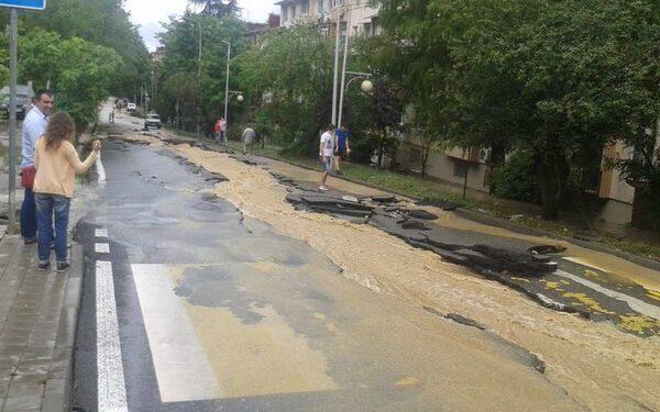 потоп и наводнение в Сочи и Адлере – испорчены дороги