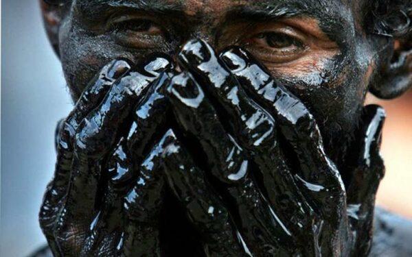 Нефть укрепляется в цене на фоне новостей из США