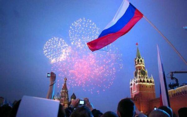 В Москве празднование Дня России 2015 завершится салютом
