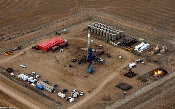 Нефть стала дешевле из-за доллара и форума ОПЕК