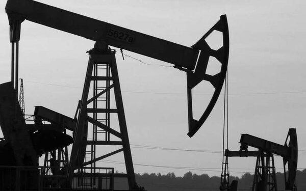 Цены на нефть «обвалил» Китай – топливо начинает неделю с падения