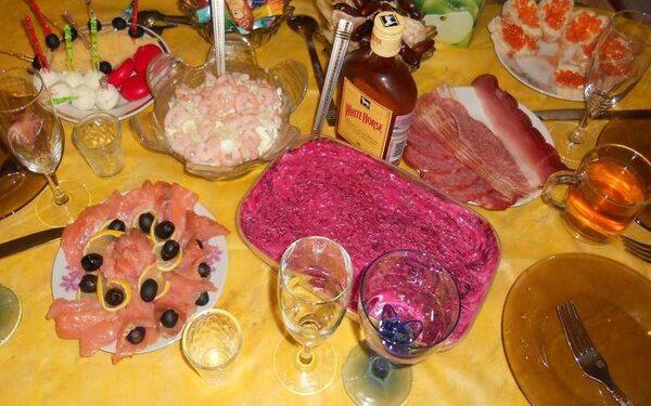 Новогодние салаты на 2016 год: селедка под шубой как в ресторане