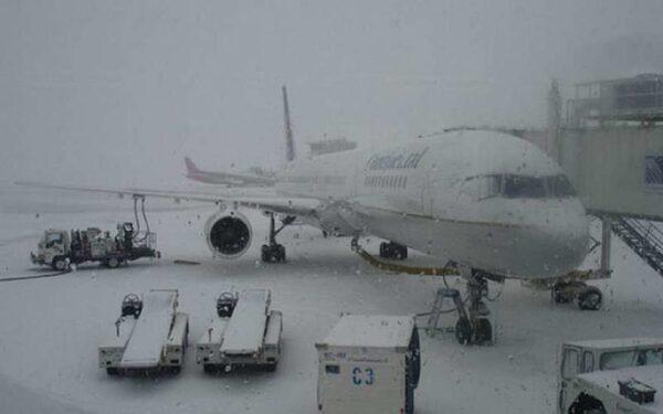 Рейсы из Ростова-на-Дону в Петербург отложены из-за сильного снегопада