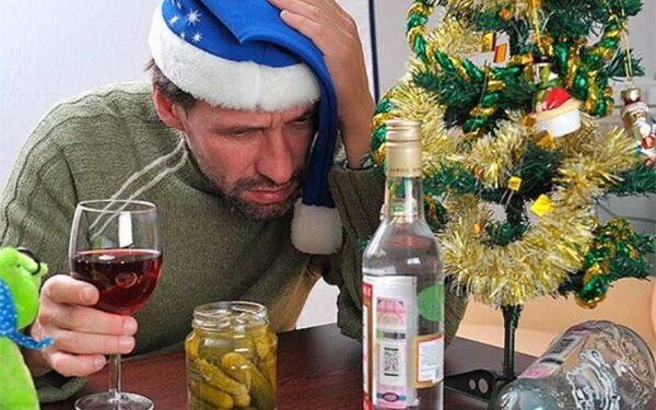 В Краснодаре пьяный отец забыл детей в кафе