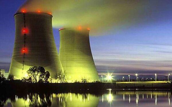 НЛО терроризируют атомные электростанции во Франции
