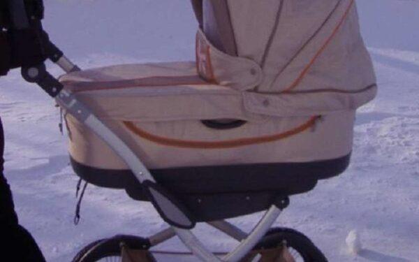 коляска на морозе