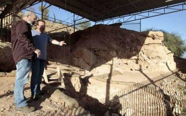 Палеонтологи нашли следы контактов людей и неандертальцев в Израиле