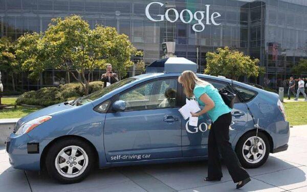 Google в 2020 году начнет серийное производство беспилотных авто