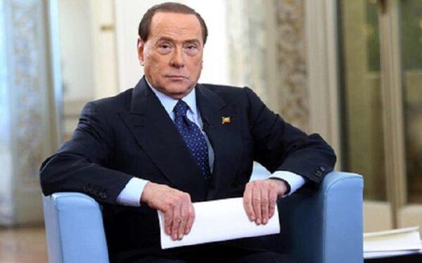 Берлускони просит суд смягчить ему наказание за примерное поведение