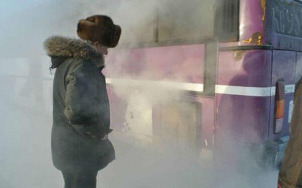 автобус в дыму