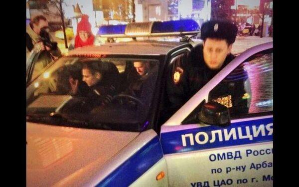 """Навальный, находящийся под домашним арестом, задержан у радиостанции """"Эхо Москвы"""""""