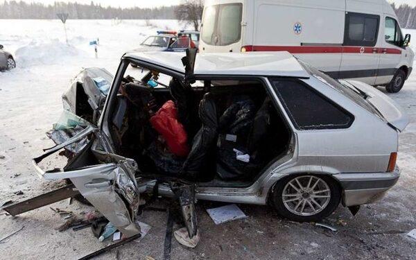 В Тарумовском районе Дагестана в ДТП с «ВАЗами» погибли два человека