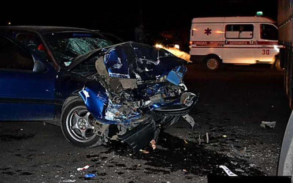 В Ангарске иномарка врезалась в поезд, водитель скончался на месте