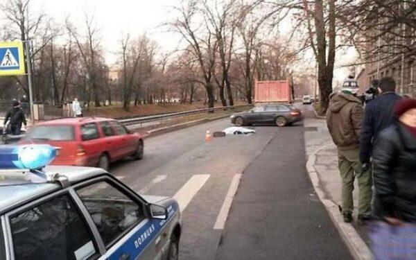 В Саратове бензовоз насмерть задавил женщину