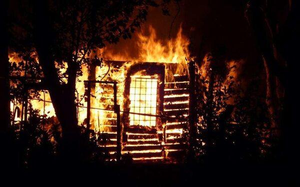 Челябинская область: при пожаре погибли маленькие дети, пока родители пили