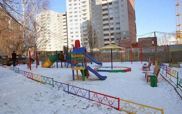 В Хабаровске 4-летний ребенок погиб на детской площадке