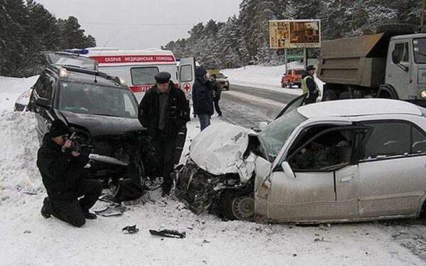 В Смоленской области смертельное ДТП, трое погибли