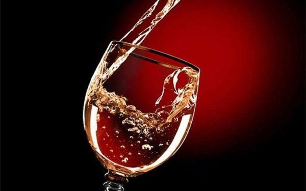 Алкоголь в умеренных дозах снижает смертность на 20%