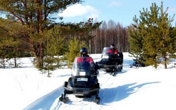 В Нижегородской области снегоход врезался в грузовик