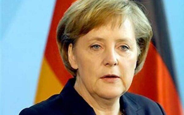 Меркель выступила против заморозки документа НАТО-Россия