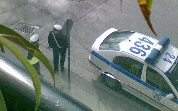 В Греции в прямом эфире радиостанции пырнули ножом ведущего