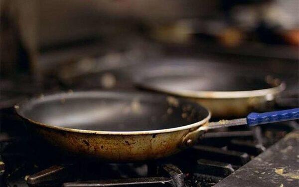 В Ростове мужчина убил жену сковородкой