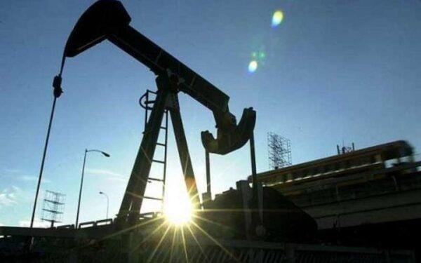 Мировые цены на нефть продолжают снижаться
