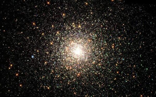 Hubble запечатлел изувеченную галактику NGC 7714