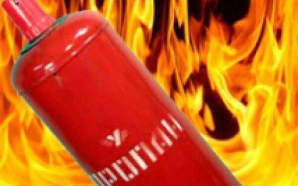 В Сочи в жилом доме взорвался газовый баллон, два человека пострадали