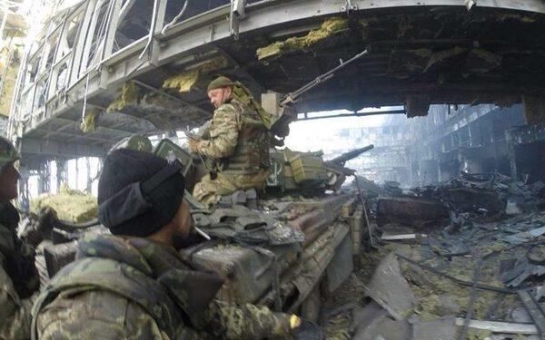 В Донецке в аэропорту захвачено семь киборгов, пресс-конференция главы ДНР Захарченко