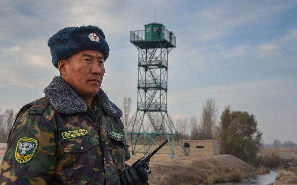 В результате нападения на пограничную заставу в Киргизии погиб 1 пограничник, двое ранены