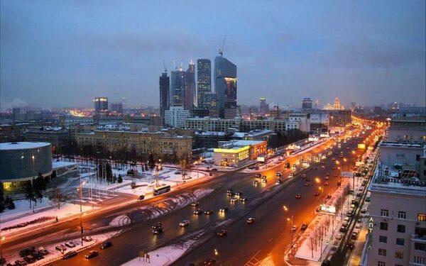 В Москве пьяного лиха не остановила и стрельба по колёсам
