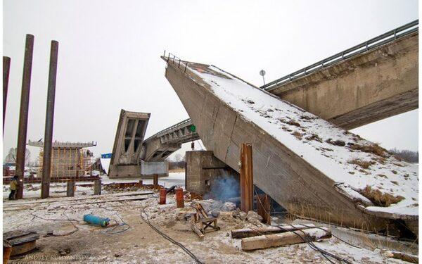 В Калининграде рухнула опара Берлинского моста
