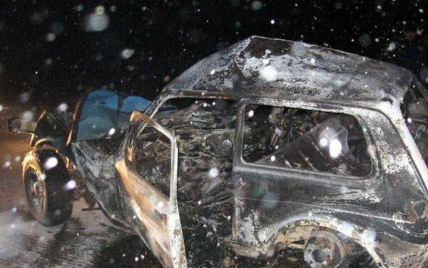 На трассе под Оренбургом погибли женщина и ребенок в ДТП с «Нивой» и «Газелью»