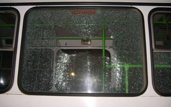 В Стерлитамаке неизвестные обстреляли пассажирские автобусы из пневматики