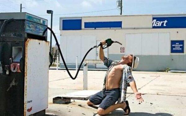 Дешёвый бензин вызвал рост продаж на авторынке в США