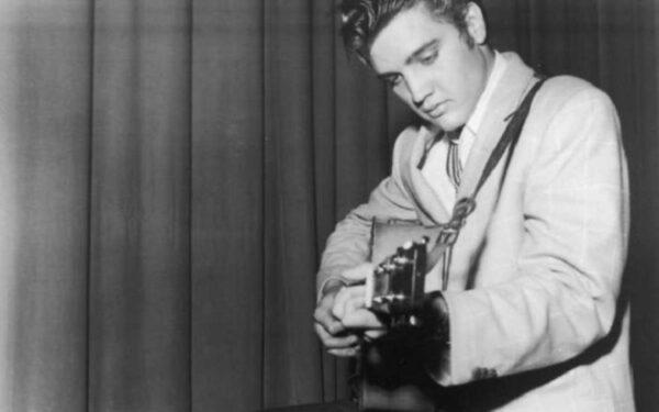 Первую пластинку Элвиса Пресли купили за 300 тысяч долларов