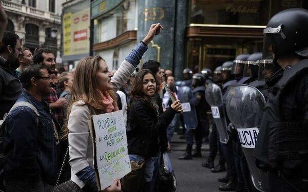 Протестуют против американизации Европы в Германии