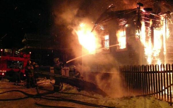 На Ставрополье при пожаре погибли две маленькие девочки