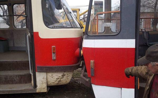 В Петербурге столкнулись два трамвая,  четверо пострадавших