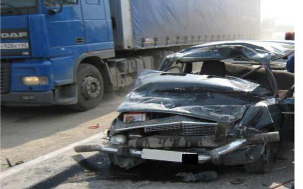 В Челябинске лихач без прав переехал полицейского, тяжело ранив его